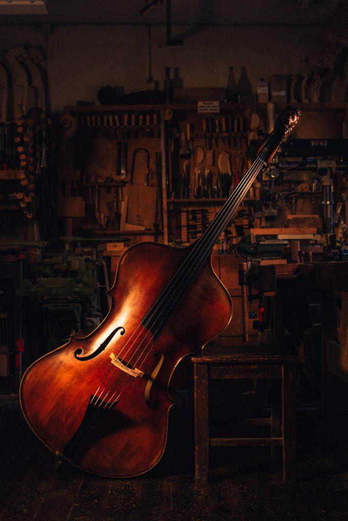 Marko Ackert double bass lion head 5 strings top angle